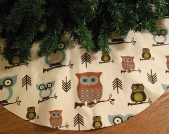"Small Owls Christmas Tree Skirt, Owl Decoration, Owls Tree Skirt, Retro Mod Owls, Holiday Owls, Woodland Christmas, 30"" Diameter"