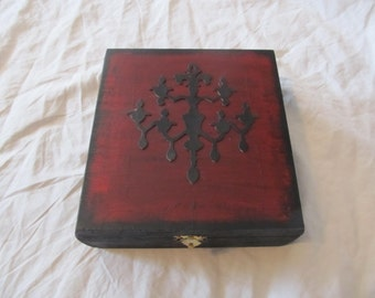 Gothic Victorian Chandelier Silhouette Keepsake Stash Box