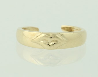 Lips Kiss Toe Ring - 10k Yellow Gold Women's Polished Band Adjustable Small Size Q4978