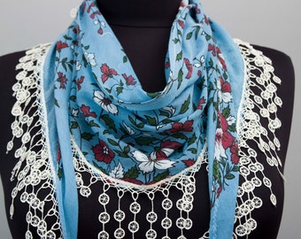 Fringed lace scarf plaid  ,triangle lace scarf , guipure scarf, flowered ,woman scarf