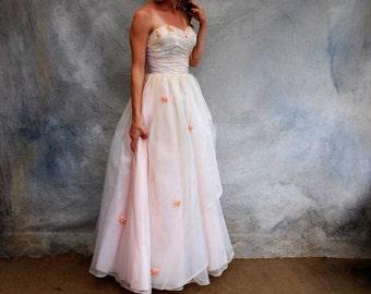 Vintage 50s romanatic wedding / evening dress - 1950s strapless floor length baby pink rosette full skirt dress - small