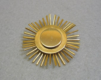 El Sol, the Sun Vintage Brass Sun Pin, Modern 1960 Design