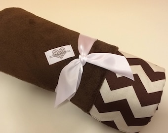 Cozy minky brown baby blanket. Chevron print cotton print and brown minky blanket. Baby boy blanket. Baby shower gift. Sale. Was 32.