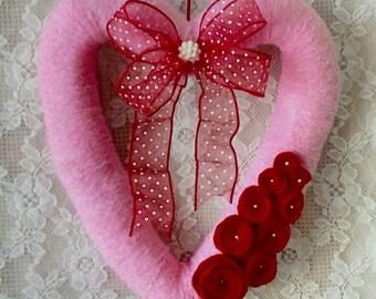 VALENTINES DAY, Wreath, Pink Heart Wreath, Yarn wreath, Door decor, wall decor, Shabby Cottage decor