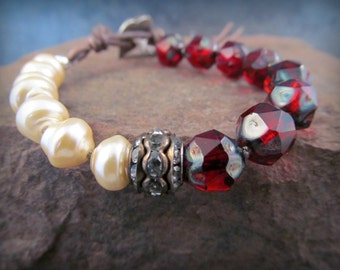 Ruby and Pearl knotted bracelet - Rustic Bohemian Boho Chic - Lightness and Dark - Charm Friendship bracelet