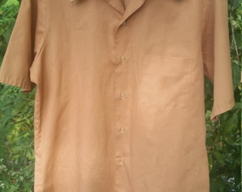 Men's Short Sleeve Permanant Press Button Up Tan/light brown Shirt Circa 60s size 15 1/2 Medium