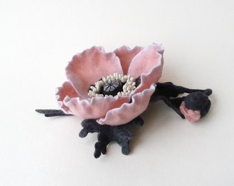 Pale pink poppy, felt flower brooch, poppy flower with bud, ready to ship