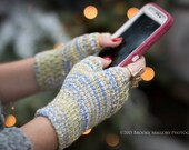 Monday Sunday Fingerless Gloves - Hand knit fingerless texting gloves: Mossy Rock