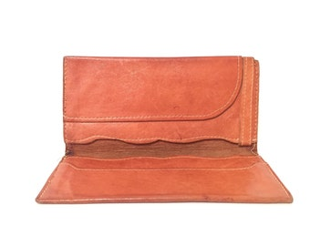 Buttery Caramel Leather Wallet / Scalloped Detail / 70's Cool