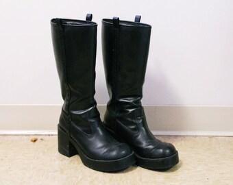90s Vintage Knee High Chunky Boots sz. 7.5