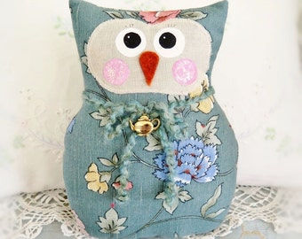 OWL Pillow Doll, 9 inch Soft Sculpture Owl, AQUA, Cottage Chic Prim Primitive Handmade Handcrafted CharlotteStyle Decorative Folk Art