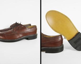 Vintage NOS 60s Wingtip Shoes Stuart McGuire Mahogany Brown Pebble Finish - Size 8 1/2 C