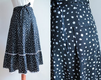 Vintage Skirt - 1970's Black & White Skirt with Floral Print - Size S
