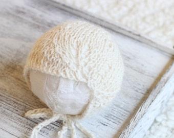 New Born Knitted Lace Alpaca Bonnet,scalloped Lace alpaca Bonnet