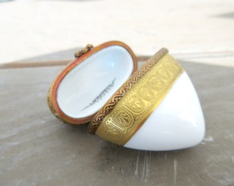 Limoges Box - Heart - Made in France - Limoges hinged box - Collectible Porcelain - White and Gold
