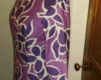 Vintage 1960's Magenta and Violet Purple and White Leaf Print Tunic Top