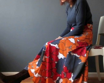 70s Red Blue Orange Bold Floral T shirt Maxi Skirt High Waisted Small