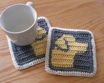 Labrador Retriever Coasters. Gray crochet coaster set with yellow Labradors. Dog mug rug