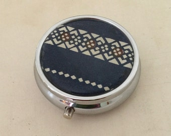 Pill box Jewelry case with Japanese handmade washi paper (JAPANESE traditional pattern) with gift envelope