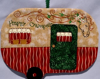 Vintage Trailer Happy Camper Mug Rug - Red Horse