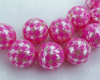 20mm, 10CT, Pearl White and Bright Pink Houndstooth Print Gumball Beads, C61