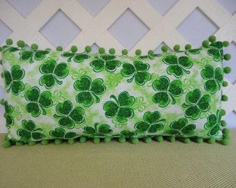 St Patricks Day Pillow / Green Shamrock Pillow / Green Pillow / Irish Pillow / Accent Pillow / Decorative Pillow