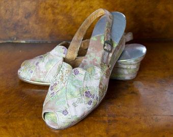 1940s Shoes // Wedge Peep Toe Sandals High Heel Oriental Brocade
