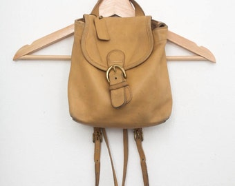 Vintage Coach Tan Leather Mini Backpack, Back Pack Purse, Shoulder bag, School Cute, Camel Caramel Butterscotch, early 90s 1990s, small mini