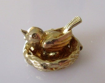 9ct Gold Nuvo Bird and Eggs in Nest Opening Charm