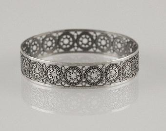 Silver Stars Bracelet , Star Bangle , Oxidized Silver Bangle , Geometric Bangle , Silver Bangle , Wish Bracelet , Geometric Jewelry