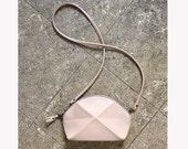 Pyramid cross body bag - vanilla