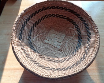 Vintage Hand Made, Hand Woven Bowl Style  Basket in Very Good Condition which can hold many things, be displayed on a wall or for decor