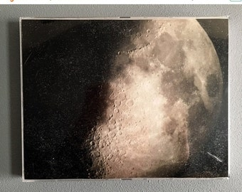 15% off Christmas in July Gorgeous photograph of the moon. Moon photograph, space photograph, universe photo
