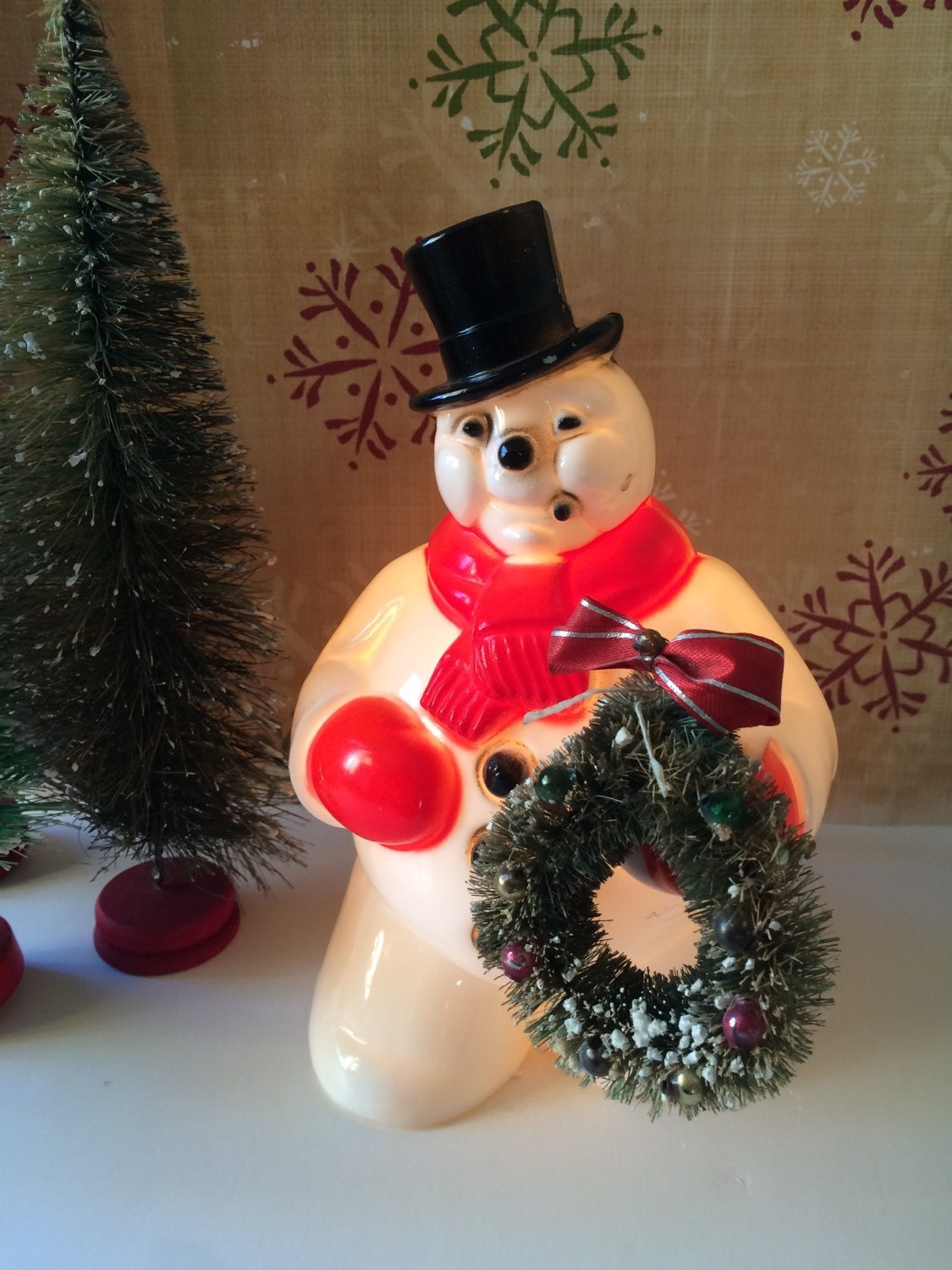 Vintage royal 1940s 1950s plastic snowman light up 7 inch for Plastic snowman