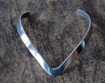 Vintage Taxco Cuff Bracelet Sterling Silver Mexico TC-117 Pointed V 5mm Boho Southwestern 1970's // Vintage Silver Jewelry