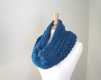 Chunky Cowl Scarf, Teal Blue Green, Hand Knit, Super Chunky Neck Scarf, Circle Scarf, Tube Scarf, Warm Winter Fashion
