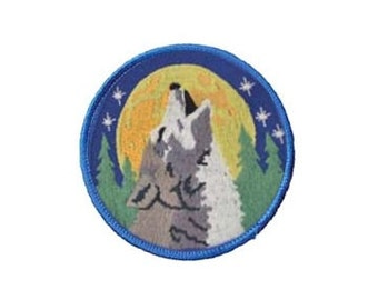 "Howling Wolf Patch - 3"" Round patch, Sew-on applique, Gray wolf applique, Wiccan pagan, Embroidered patch, Moon stars, Animal patch"