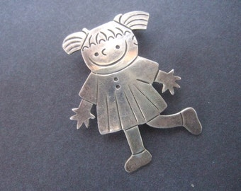 Charming Sterling Silver Figural Girl Brooch / Pendant