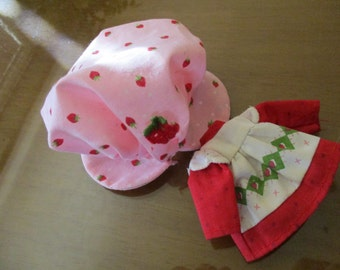 Replacement Vintage Strawberry Shortcake Dress and Hat ~ Vintage 1980's (1)