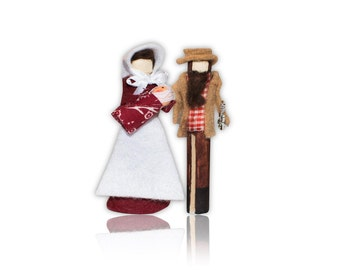 Little House on the Prairie Clothespin Doll Ornament Kit: Pa and Ma and Baby Carrie