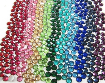 100 pcs Resin Rhinestone Cabochons - 14 facets - assorted colors and sizes 4mm, 4.8mm