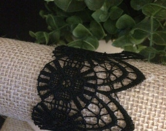 Romantic black lace bracelet