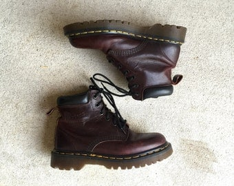 Vintage Doc Martens Made in England Lace Up Red Brown Leather Chunky Heel Combat Boots // Women's size UK 3 US 5 5.5