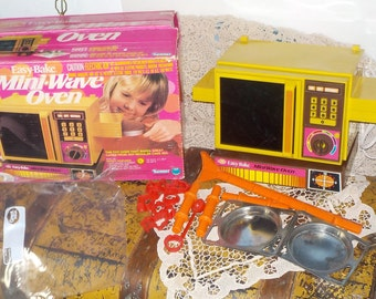 Kenner Easy Bake Mini Wave Oven In Original Box and Accessory's 1976 :)S Not Included in Coupon Sale