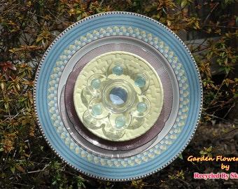 Glass Yard Art Sky Blue Garden Flower Plate Sculpture for Garden