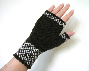 Wrist warmers / fingerless gloves hand knitted