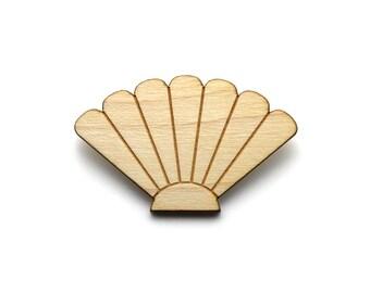 Seashell brooch - scallop pin - shell - nautical jewelry - beach jewellery - lasercut maple wood - holidays graphic jewelry