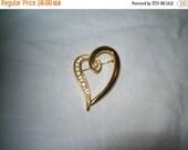 50% OFF vintage brooch, 70s estate jewelry, heart pin, rhinestone heart brooch