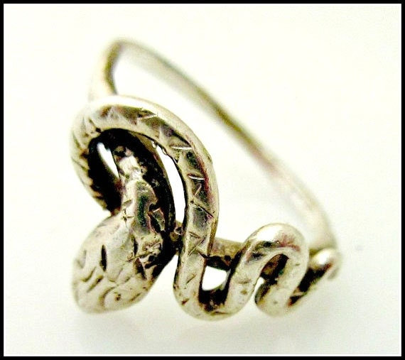 sterling silver snake ring size 6 by serendipitytreasure