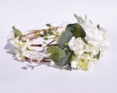 Woodland hair crown, Rustic flower crown, boho wedding head piece, White flower Bridal wreath, Ivory floral headpiece
